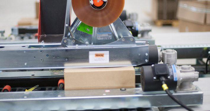 Tapemaskiner med automatisk højdeindstilling